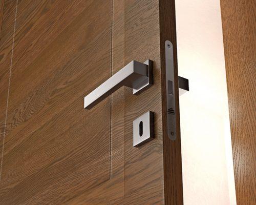 Dettaglii porta in legno Garofoli MIRAWOOD rovere terra particolare maniglia