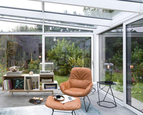 Veranda Finstral alluminio scuro sul lato esterno e bianco all'interno Studio partner Finstral Berneschi Arezzo