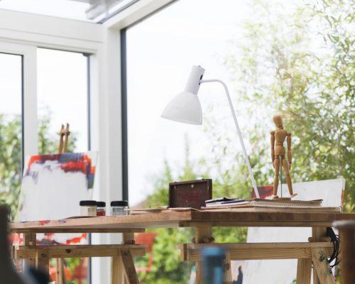 Veranda alluminio scuro sul lato esterno e bianco all'interno Studio Partner Finstral di Arezzo Berneschi infissi