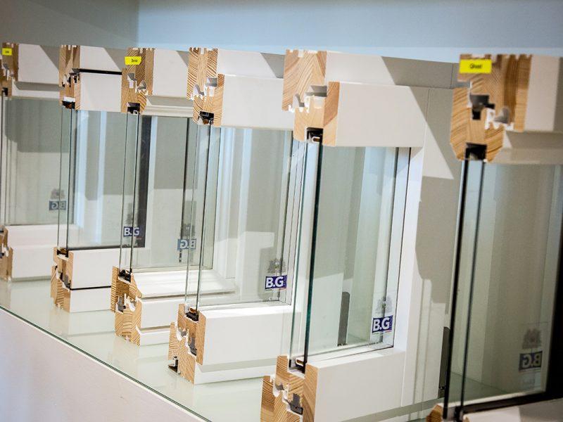 Profili finestre in legno BG Legno Factory Store ad Arezzo Sistema Berneschi