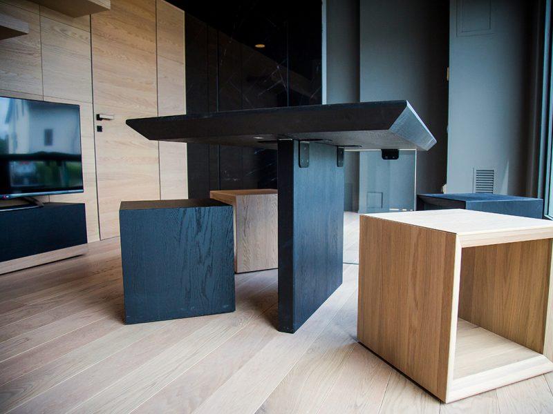 Tavolo e sgabello in legno Garofoli Store Arezzo