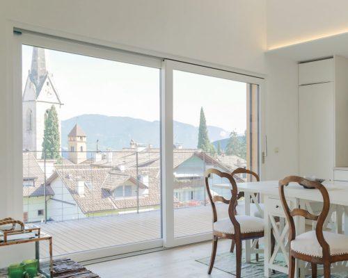 Finestre in alluminio - PVC in casa in montagna negozio di Arezzo