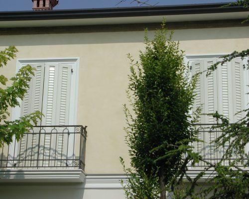Persiane-Eurall-edificio-residenziale-Berneschi-Infissi-Arezzo
